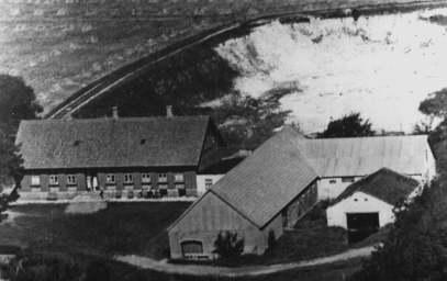 Thistedvej 359, Klim - i baggrunden kalkgraven (1940'erne)