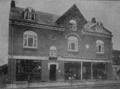 R. Jørgensens manufakturforretning, bygget 1914.